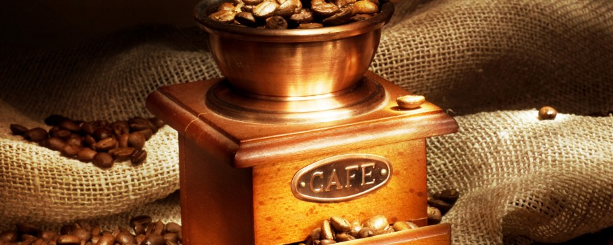 Coffee price fall puts brakes on Colombia coffee revival